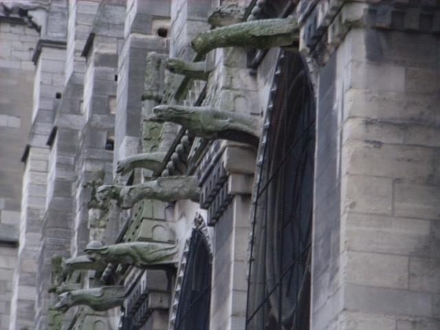 ノートルダム大聖堂.jpg