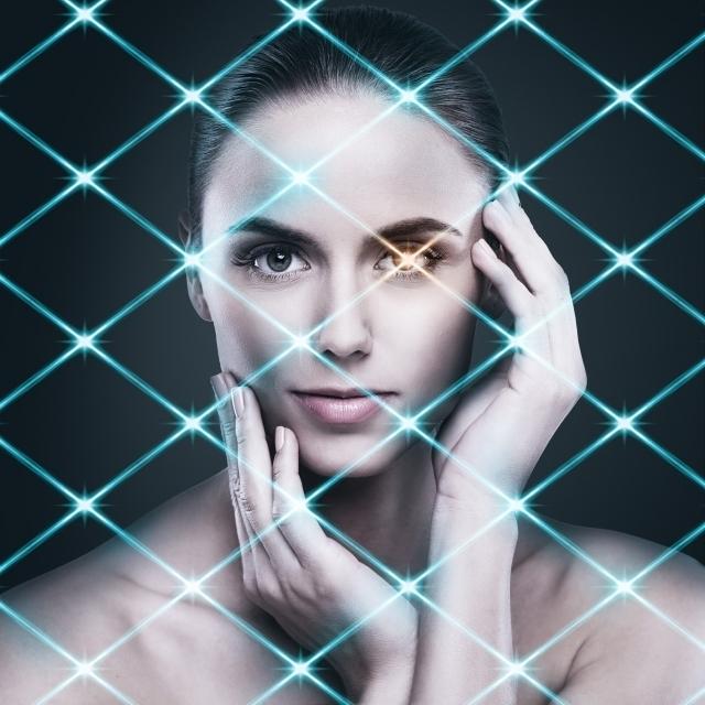 光線と女性.jpg