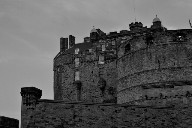 城壁(白黒).jpg